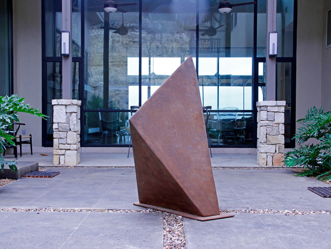Irregular Polyhedron Braydon Gold