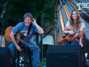 Trading songs with Kylie Rae Harris (RIP) at the Addison Summer Music Series