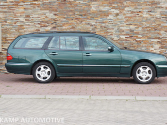 NU BINNEN... Mercedes-Benz E320 Combi 4-Matic Avantgarde Facelift