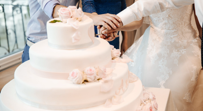 Start a wedding cake business from home