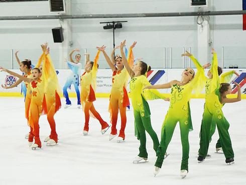 1 место на соревнованиях среди танцевальных коллективов