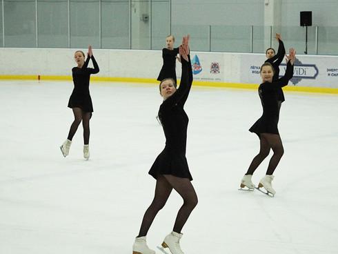 Соревнованиях танцевальных коллективов на льду