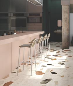Bar Chairs / High Stools