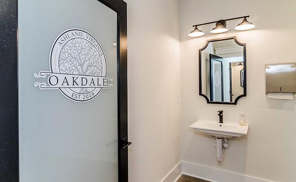Oakdale-Bath-Door.png