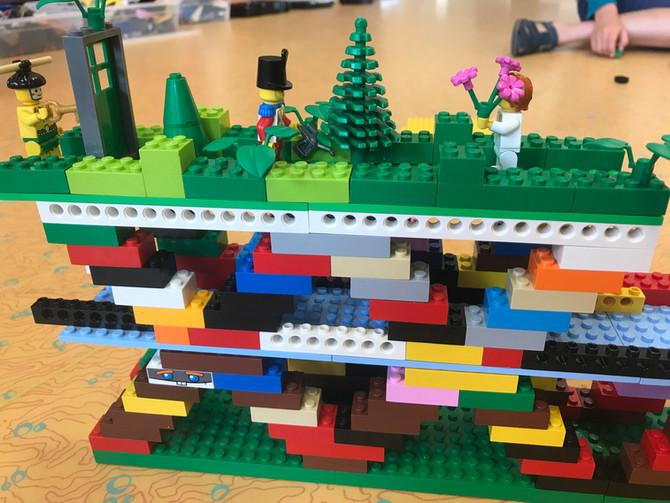 Construire et inventer comme Léonard de Vinci, avec les LEGO Technic