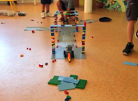Voiture Lego à moteurs