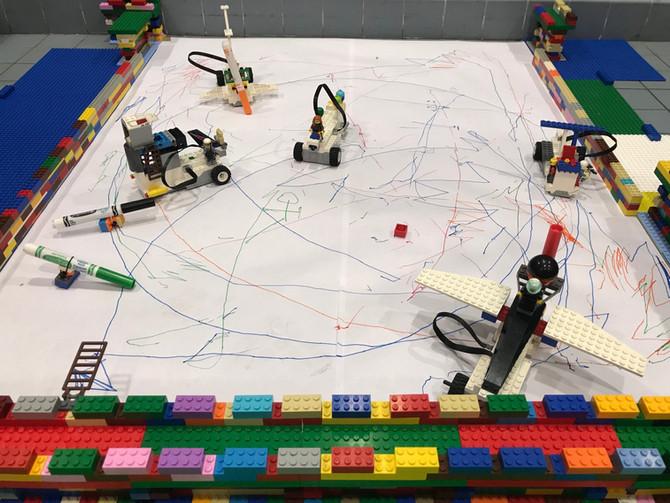 Robots dessinateurs et autres aventures au Centre Villiot