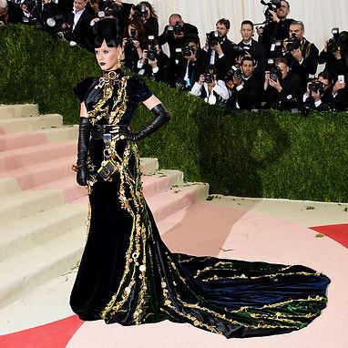Make Room for Katy Perry on the Curvy Bandwagon