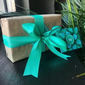 Подставка для помад в подарочной упаковке