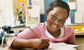 Jeune fille souriante.jpg
