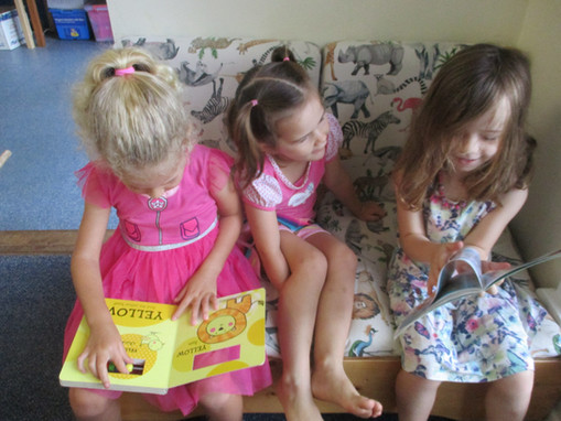 Friends read together