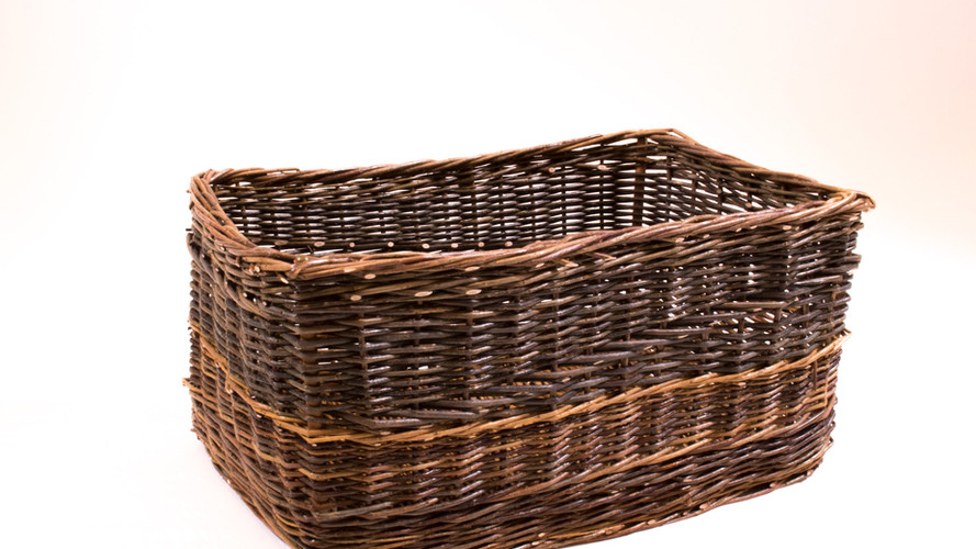 Amana Colonies Willow Basket