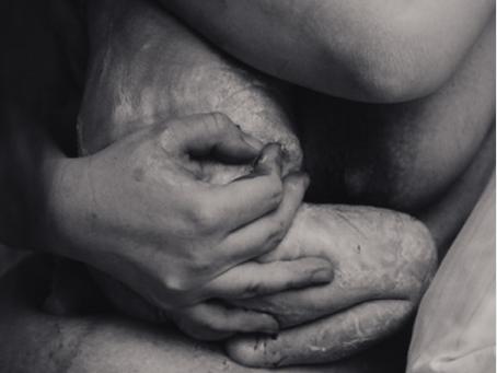 """Fotoausstellung und Einladung zur Filmvorführung """"Die sichere Geburt"""""""