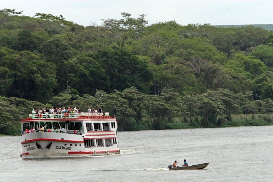 turismo-fluvial-em-barra-bonita-cidade-a