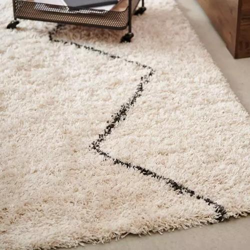 berber-tapis-noir,-beige-larg--160-x-lon