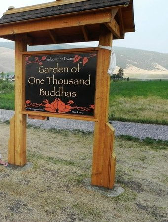 garden-of-one-thousand sign.jpg