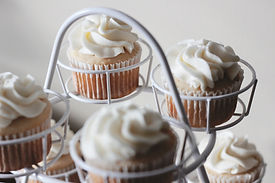 White Frosting Cupcakes