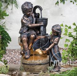 """Скульптурный фонтан """"Играющие с водой дети"""""""