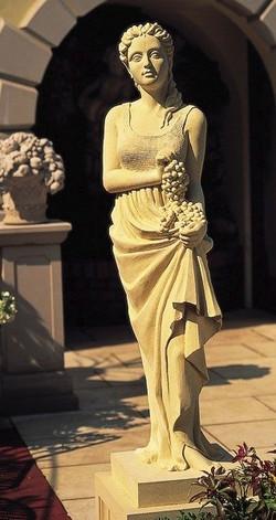 """Статуя из травертина """"ОСЕНЬ"""" для декора экстерьера"""