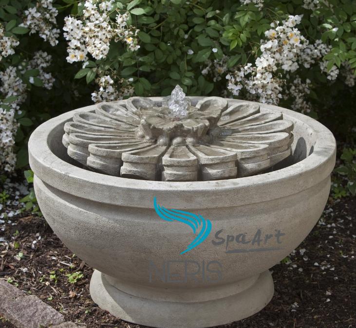 Cкульптурный фонтан «Королевская лилия»