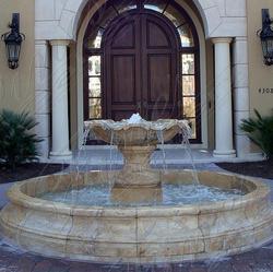 Одноуровневый фонтан из мрамора