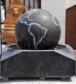 Фонтан –сфера из черного гранита