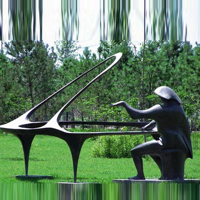 Скульптурная фигура для водного декора «Пианист»