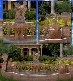 Мраморный фонтан с балюстрадами
