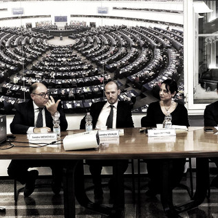 """Presentazione libro """"Galassia Islamica. Le ragioni del terrore"""" di Sandro Menichelli"""