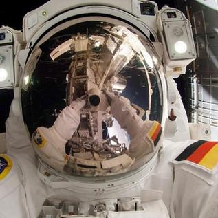 #Dearmoon: il turismo spaziale e i nuovi astronauti