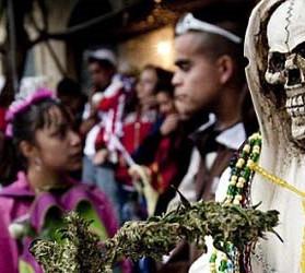 Ferocia crescente in Messico: culto della Santa Muerte aumenta portando con sé migliaia di cadaveri