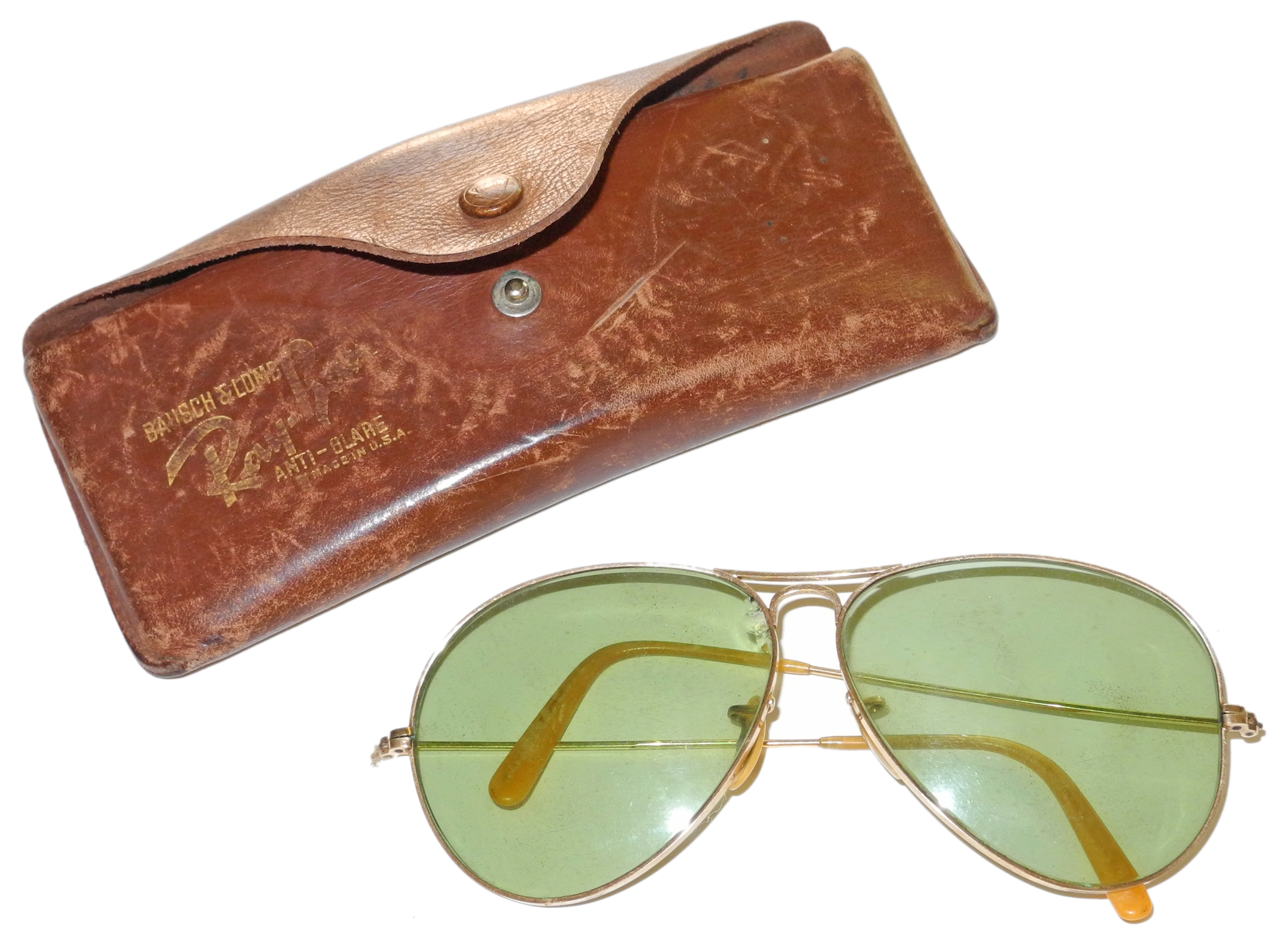 Battle of Britain pilot sunglasses and dog tag