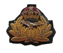 RNAS officer's cap badge