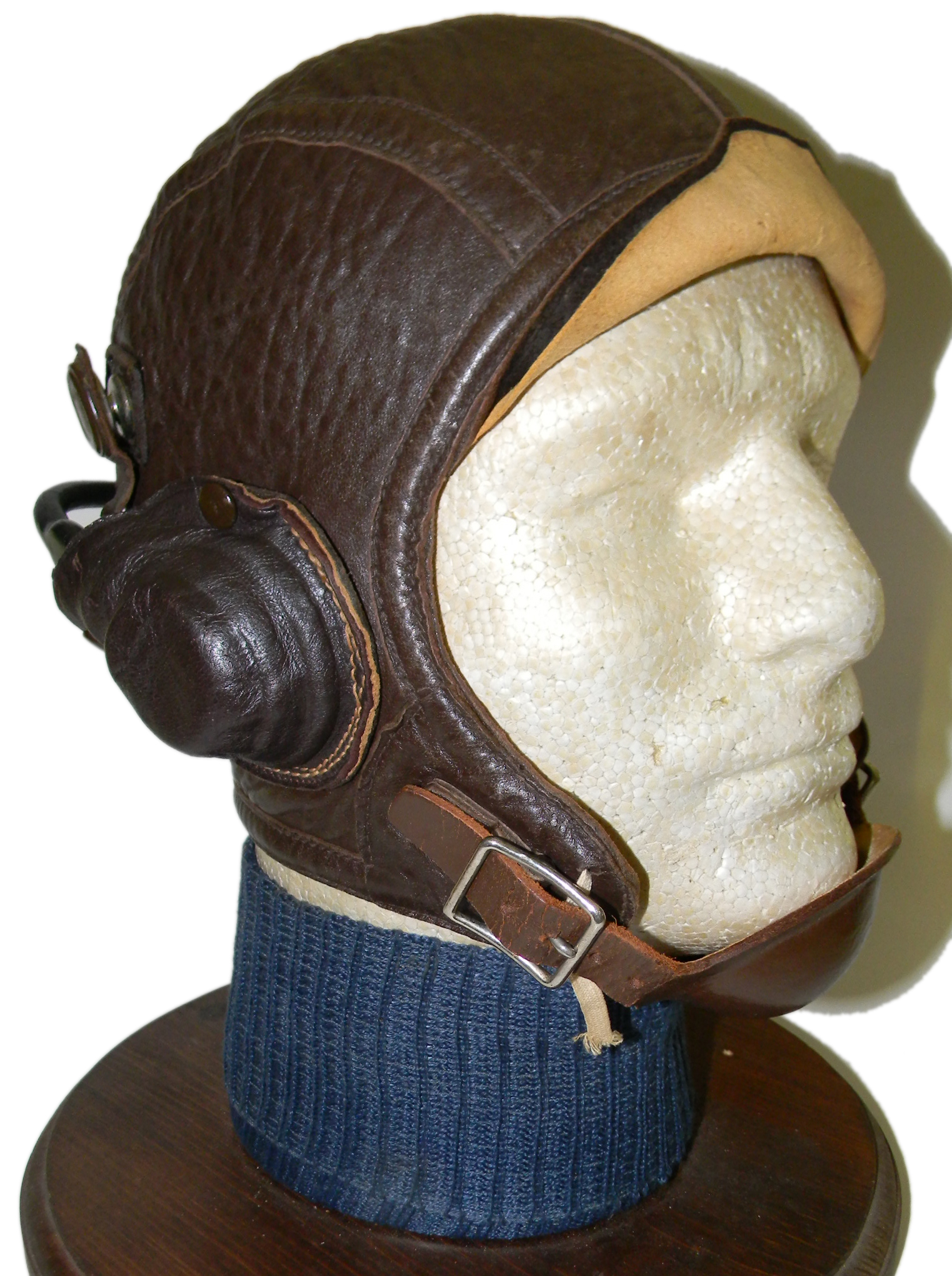 Early USN NAF 1092 flying helmet