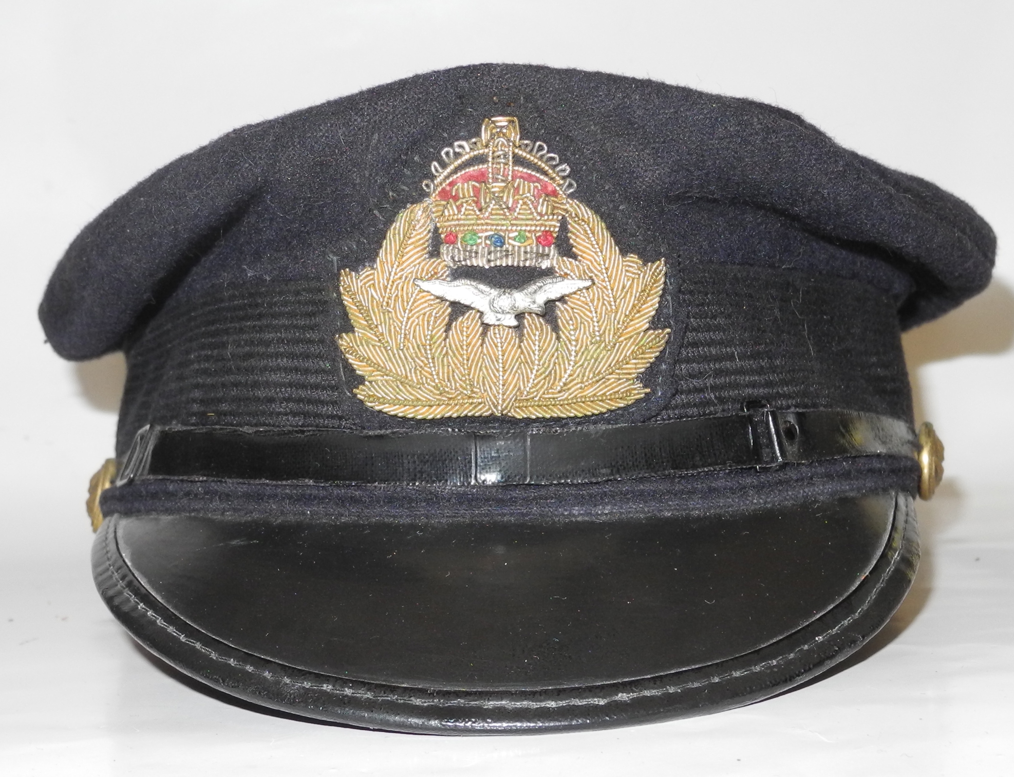 RNAS officer's cap with reproduction badge3