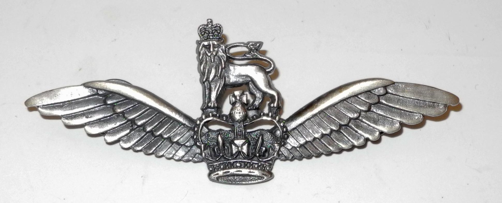 Post War British Army pilot's wing badge in metal
