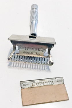 RAF shaving kit for the escape/evasion/ration box