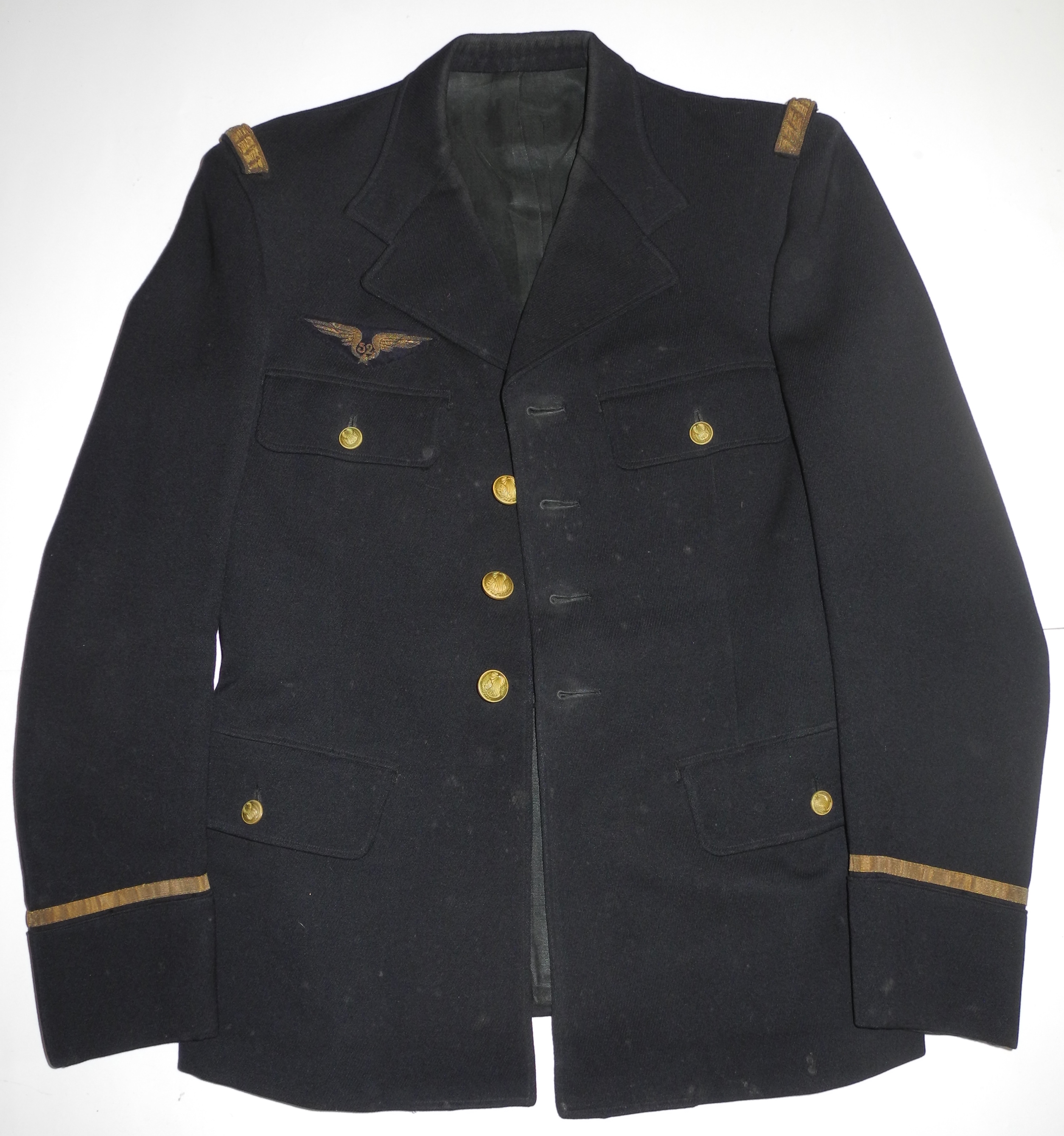 Pre-WWII tunic to French Air Force Lieutenant 52nd Recon. Gp.
