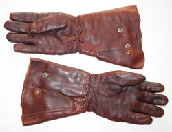 RAF Type H electrically-heated gauntlets