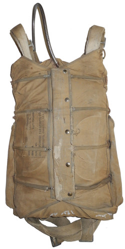 1940 dated AAF back type parachute