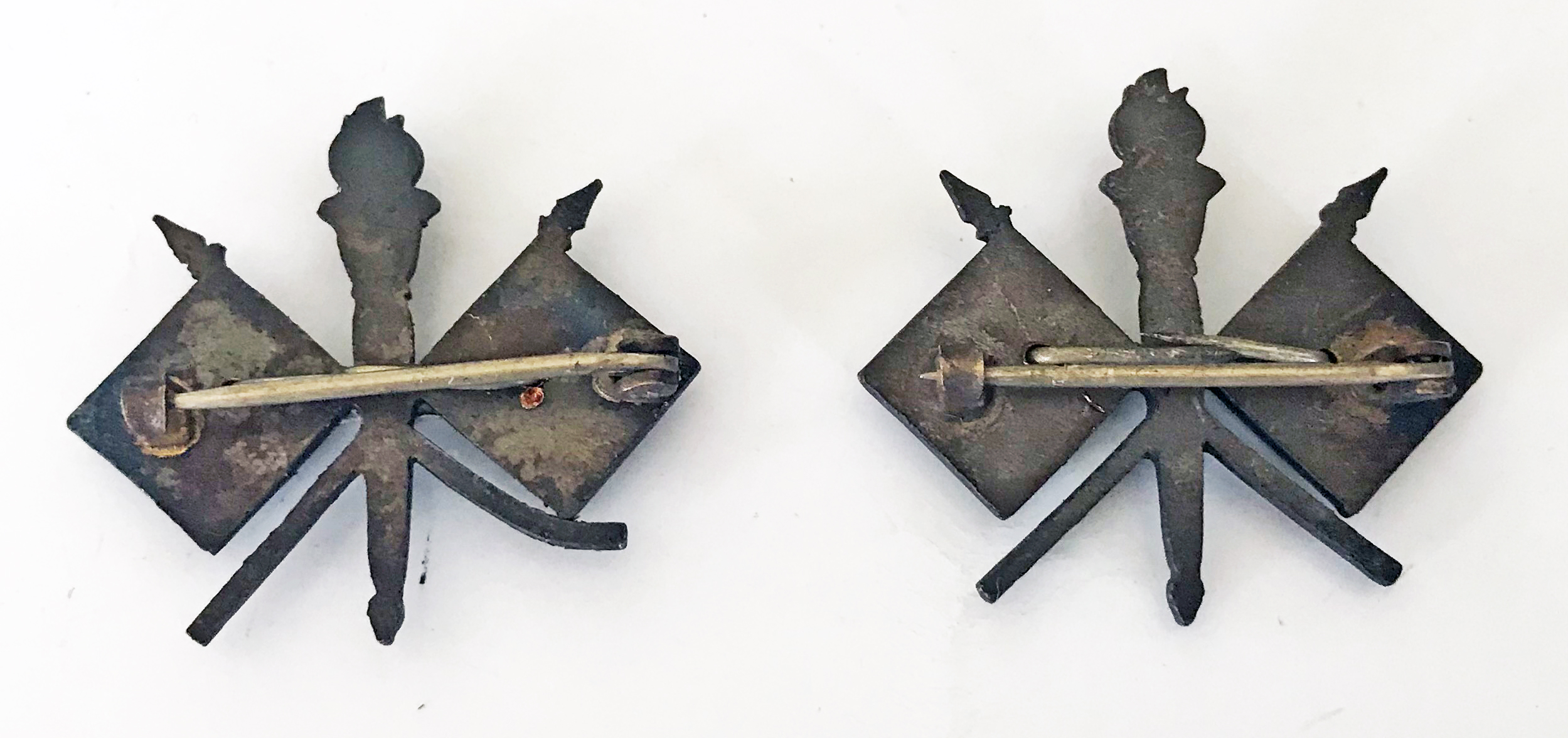 WWI US Air Service collar devices with flags and propellors.