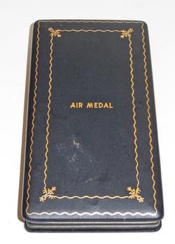 Cased WWII era AAF Air Medal