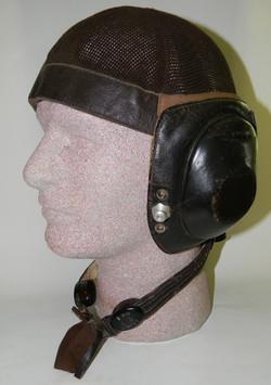 LKpN101 helmet with short cord