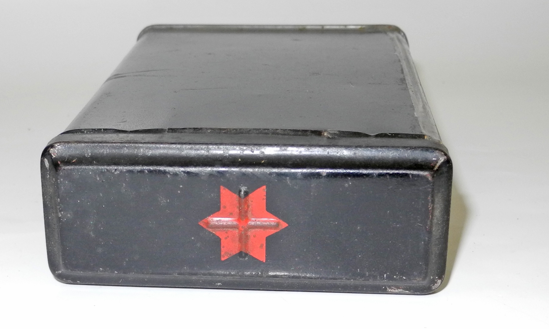 RAF Signal Flare tin for red double star