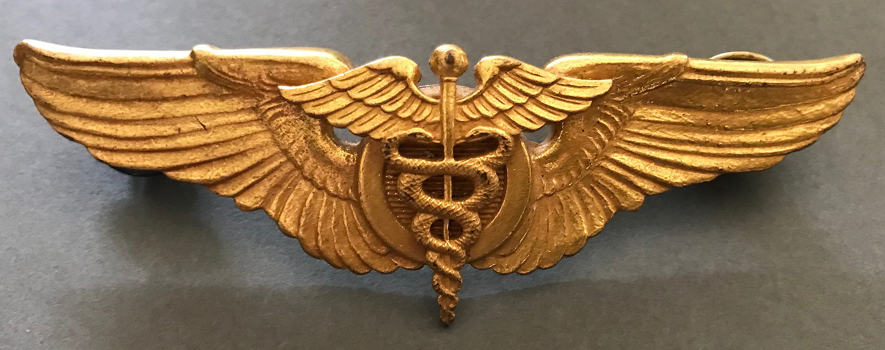 WW2 USAAF Flight Surgeon wing in gold