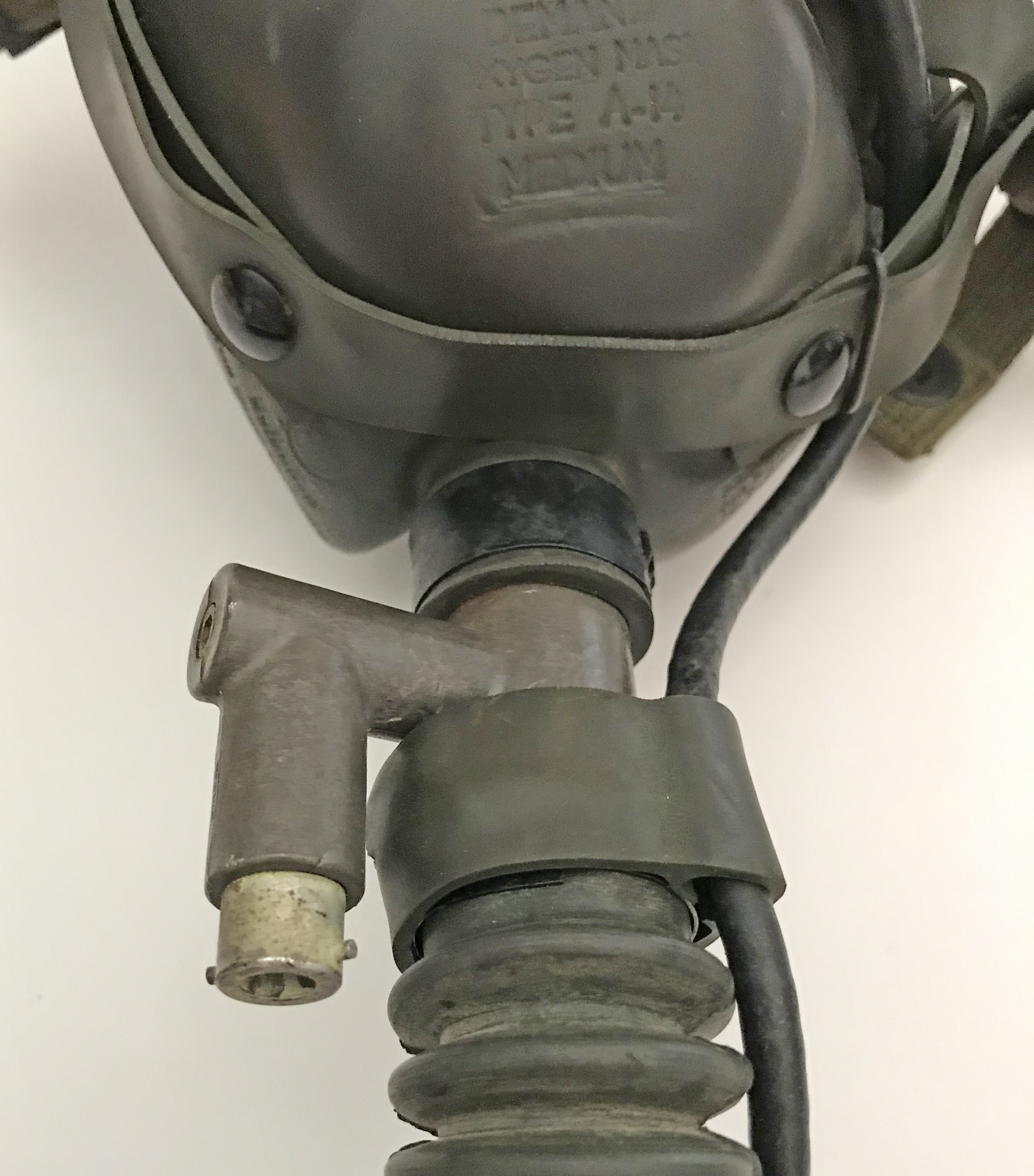 AAF A-14 mask with high-altitude bail-out tube