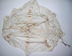 LW drogue / leader parachute