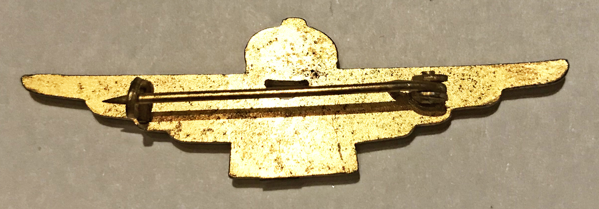 Early wartime Italian pilot badge in miniature
