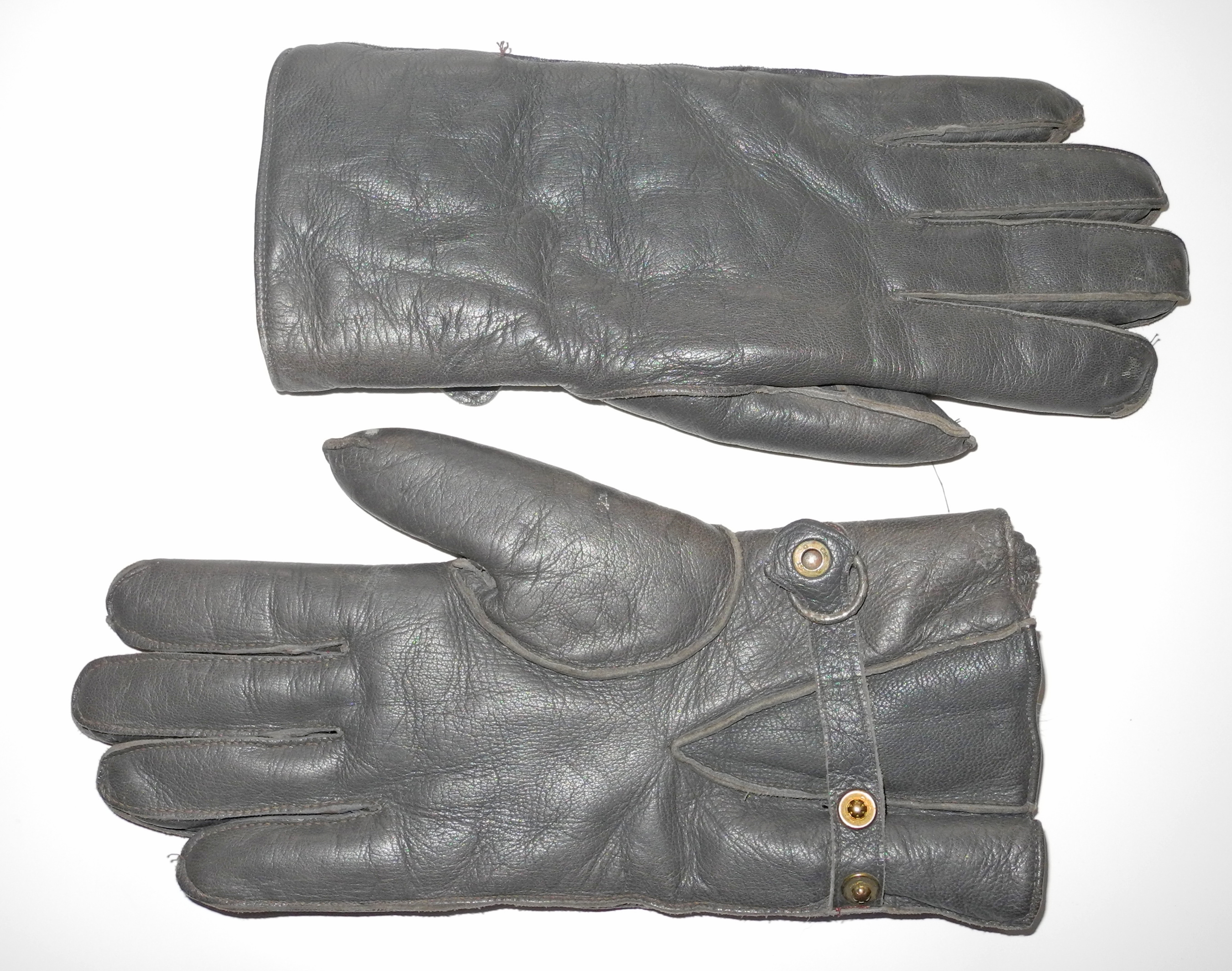 LW fighter pilot gloves