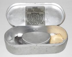 Accessories and storage container for Luftwaffe Model 295 flying goggles